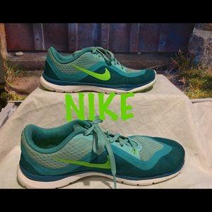 Beautiful Green Women Nike Shoes
